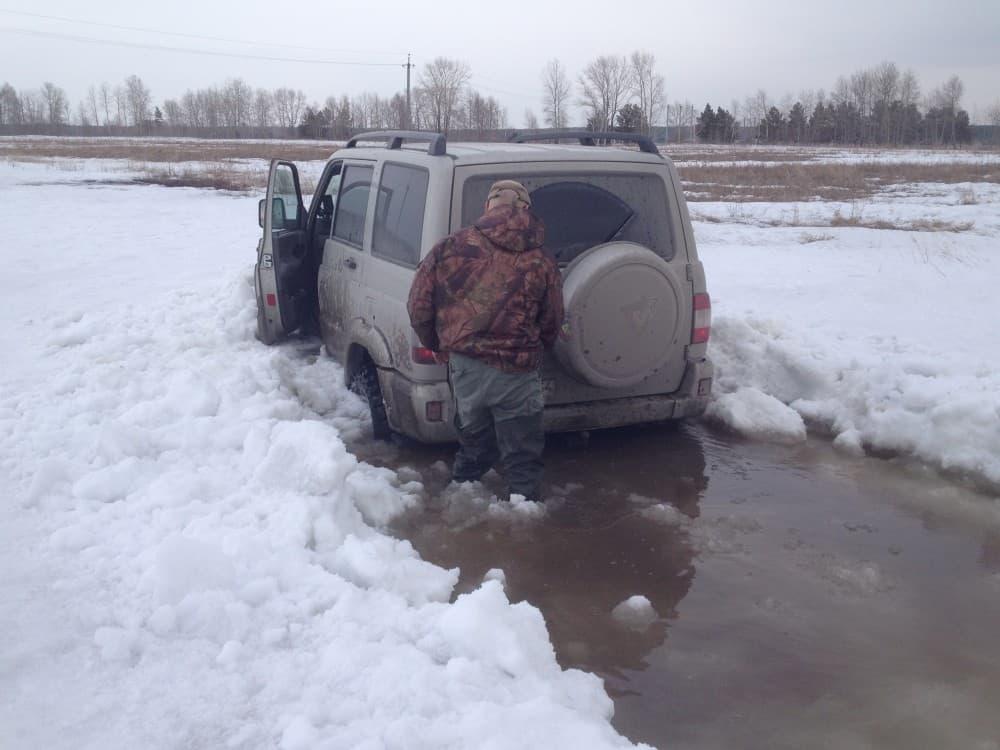 уаз патриот застрял в снегу