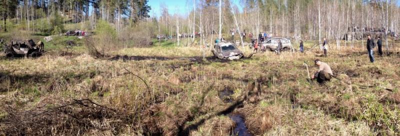 соревнование в болоте