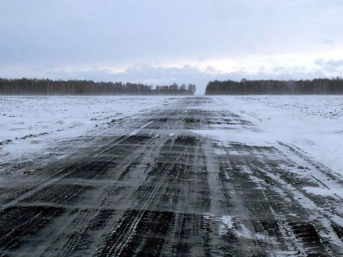Трасса Курган - Заводоуковск, полевая дорога около Заводоуковска, выезд на трассу