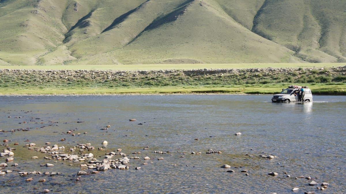 горные реки на северной монголии