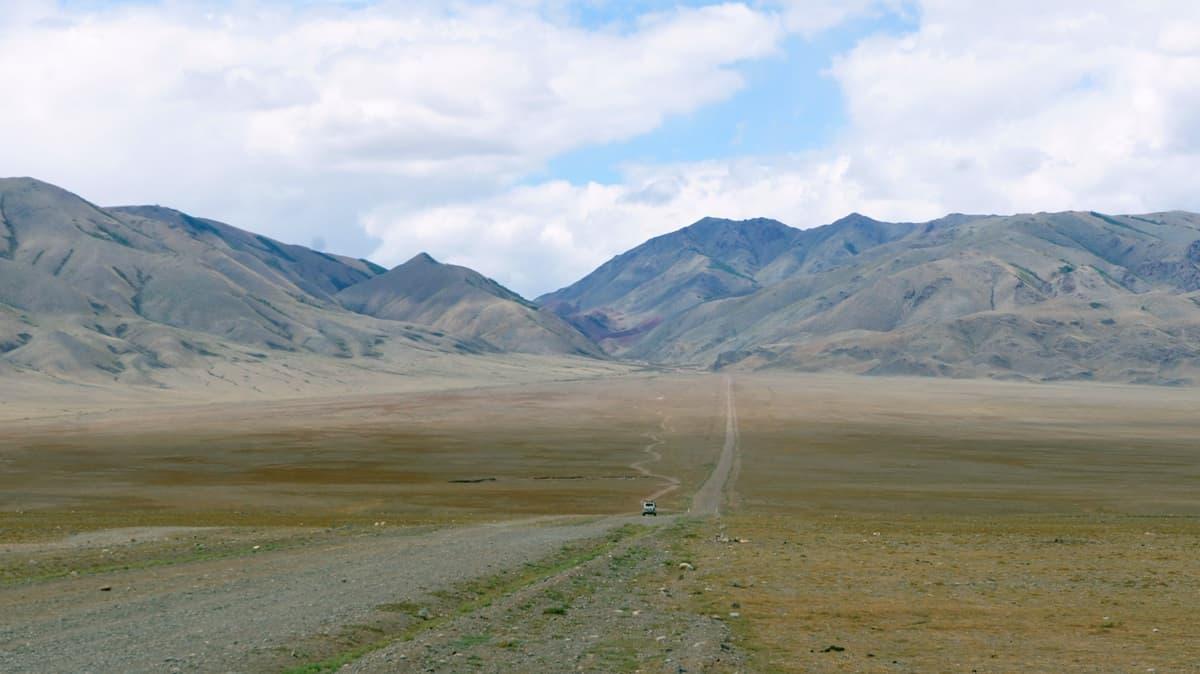 дорога на погранпереход Ташанта