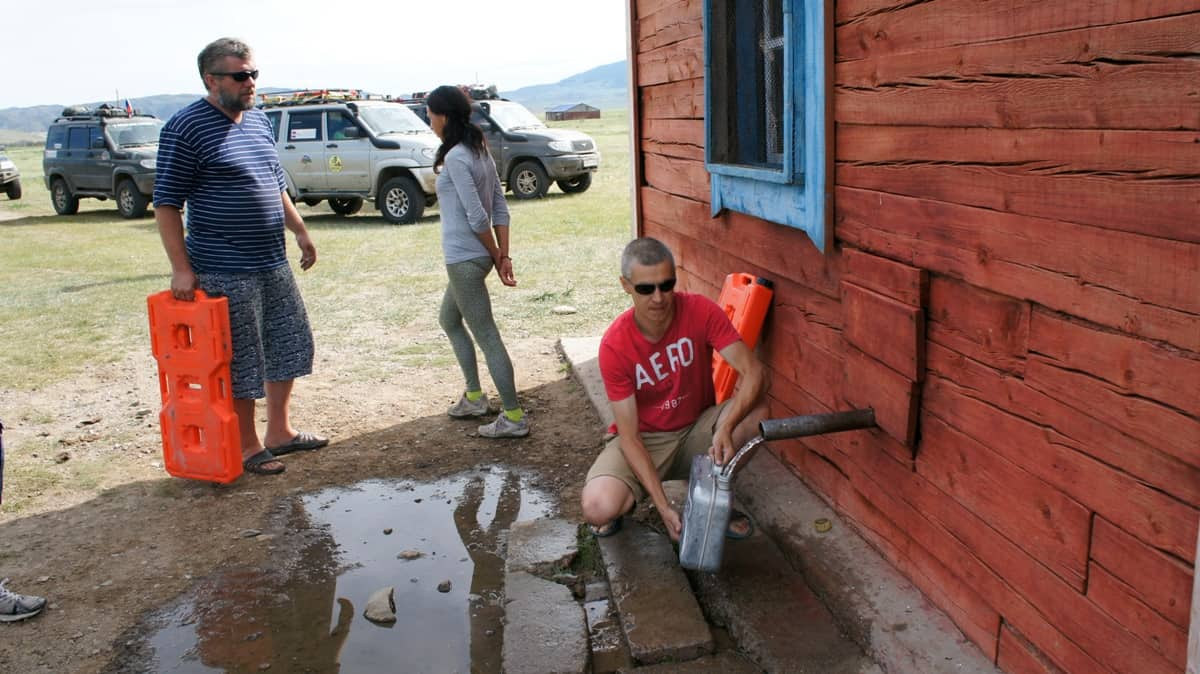 колонка с водой в монголии
