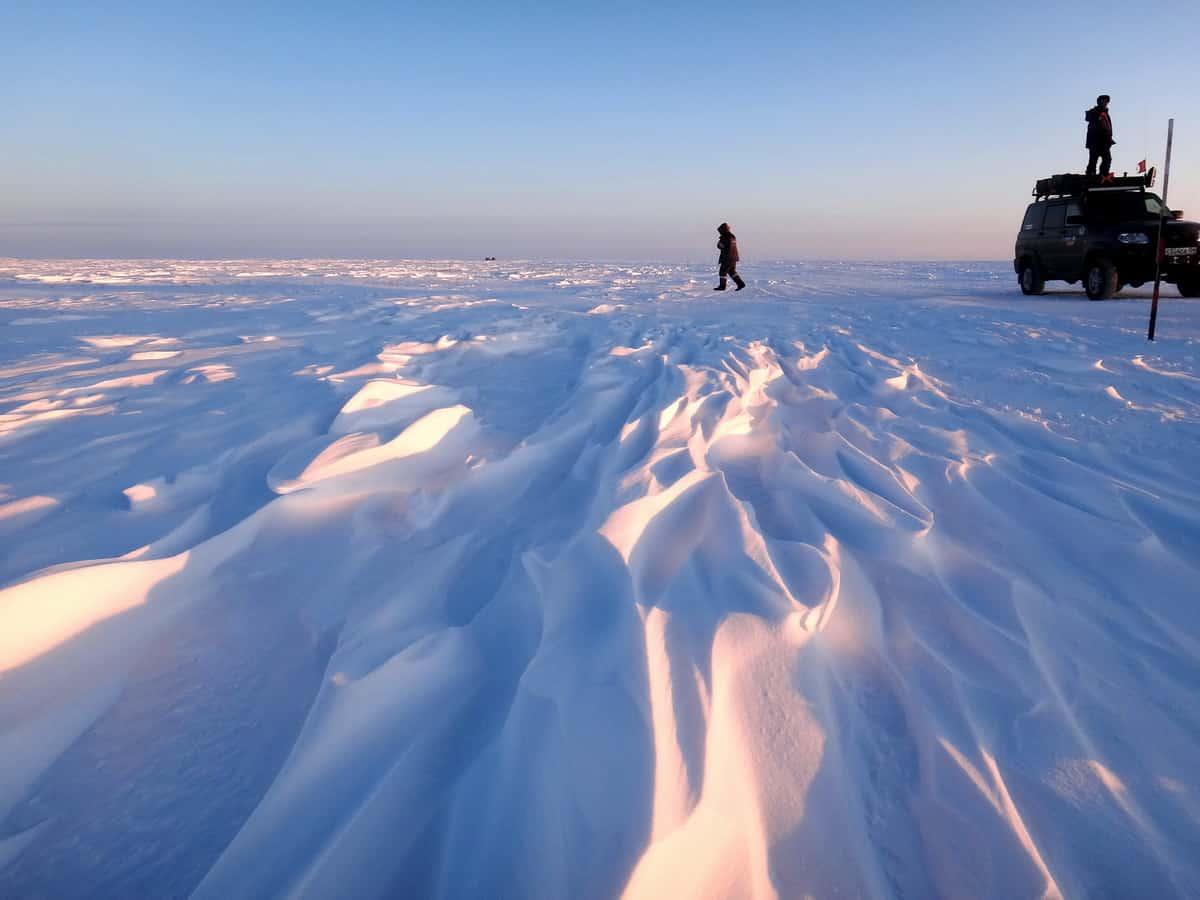 ищем зимник в тундре