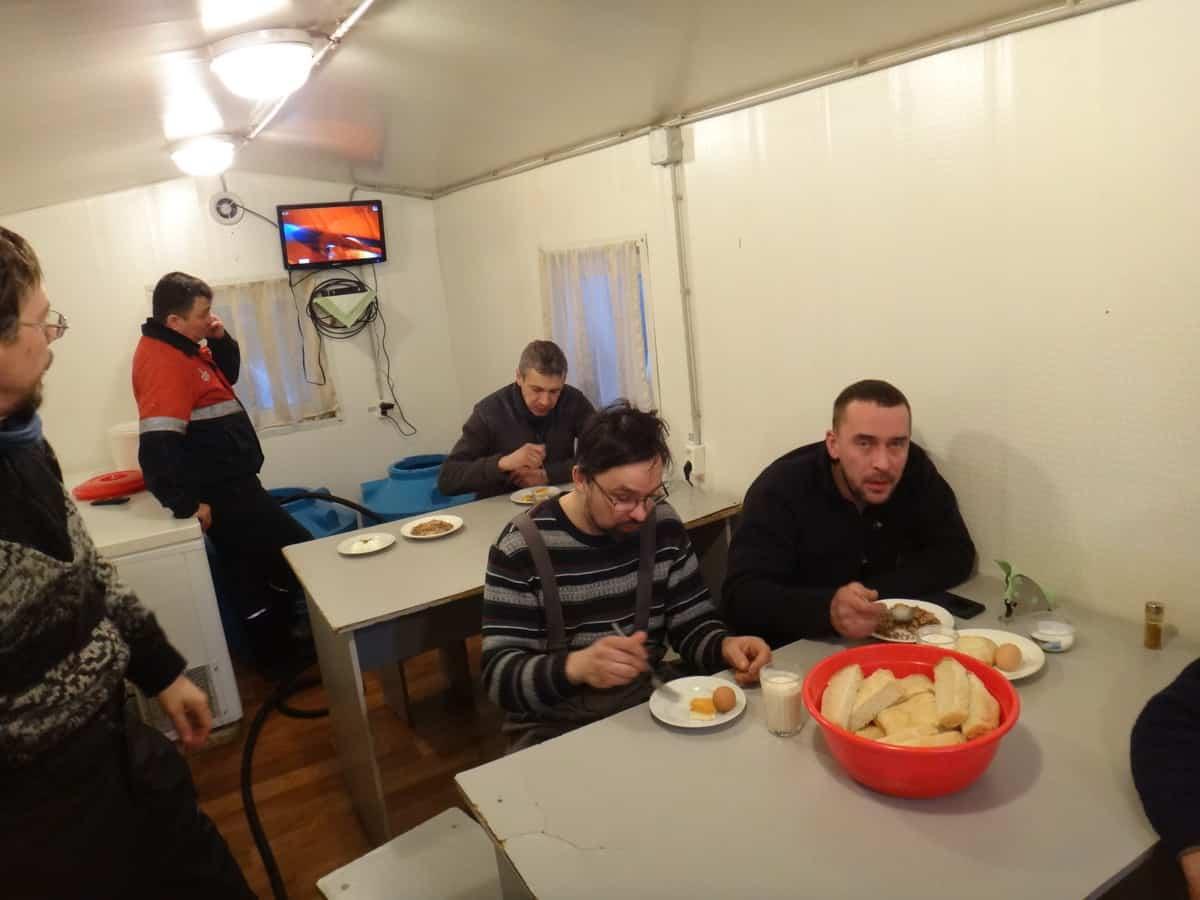 зимник Тазовский - Антипаюта, столовая у дорожников