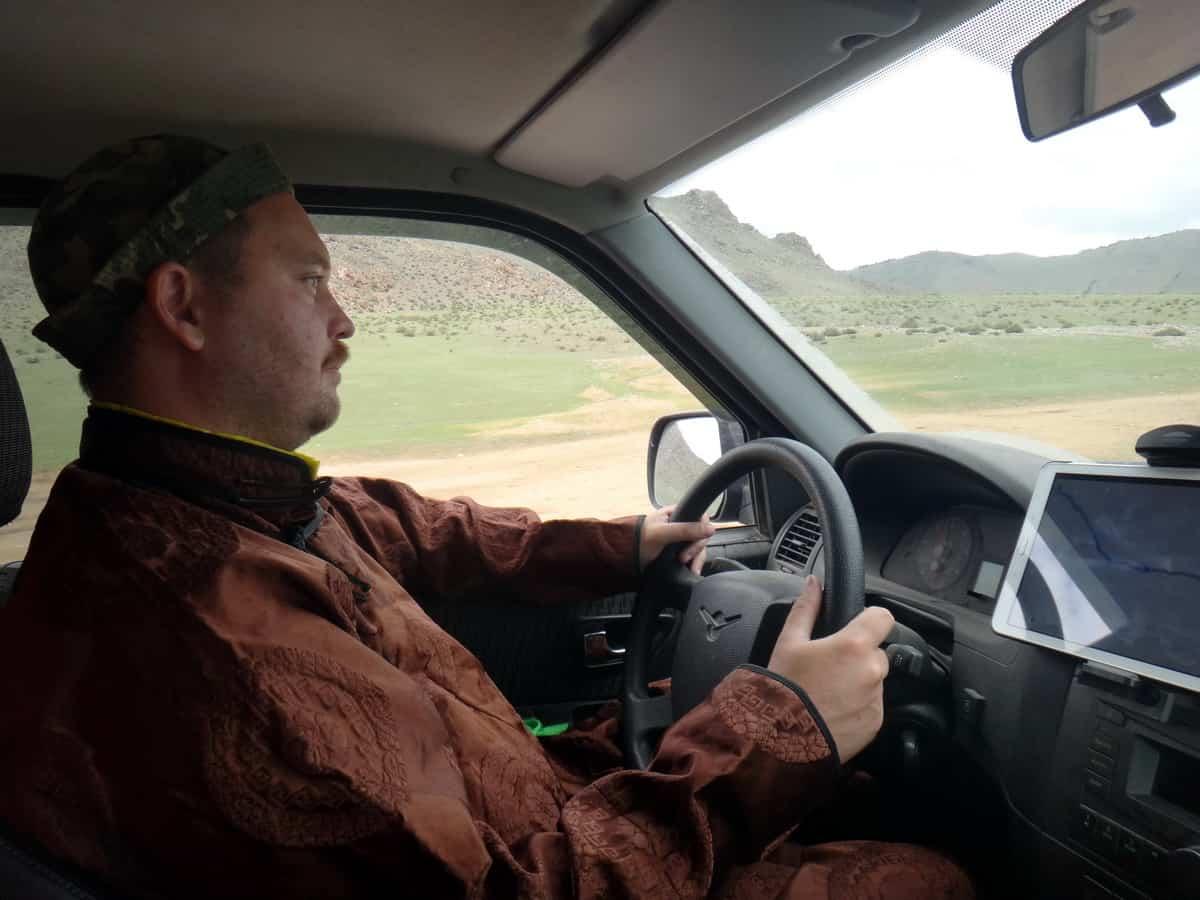 путешественник Алексей Бычков за рулем Патриота