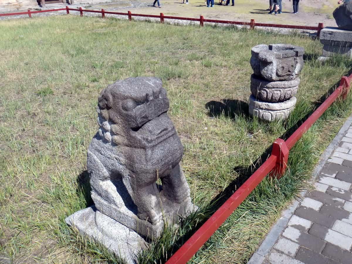 древности в музее Каракорума