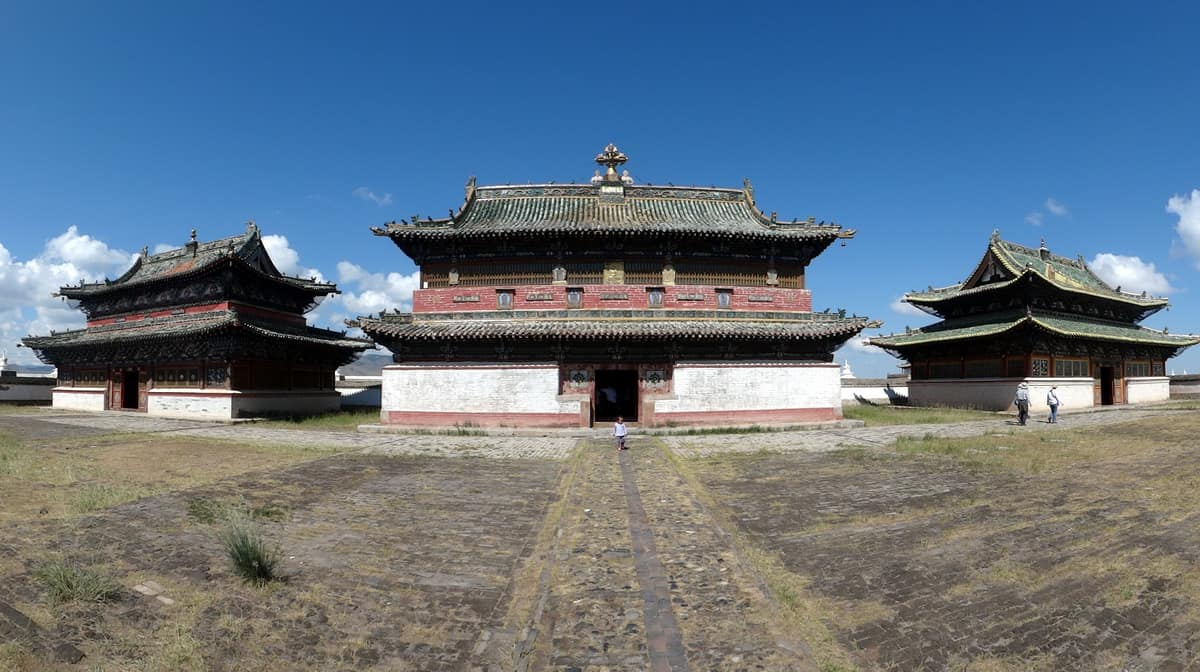 буддистские храмы в Хархорине (Каракоруме)