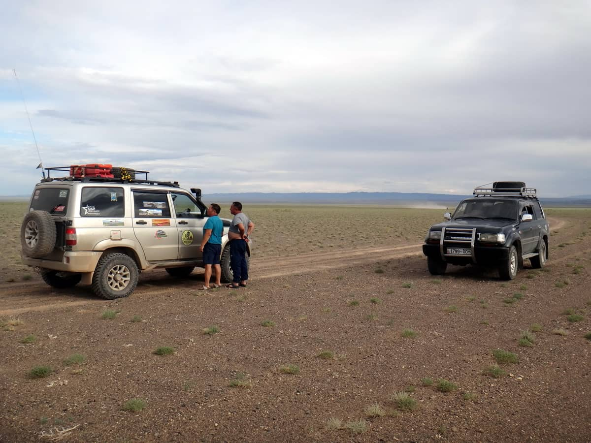 встреча в центре пустыни