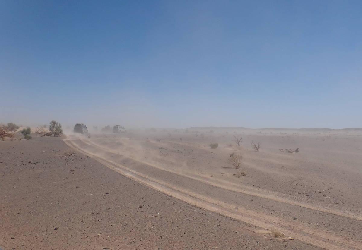 песчаная буря в пустыне Гоби