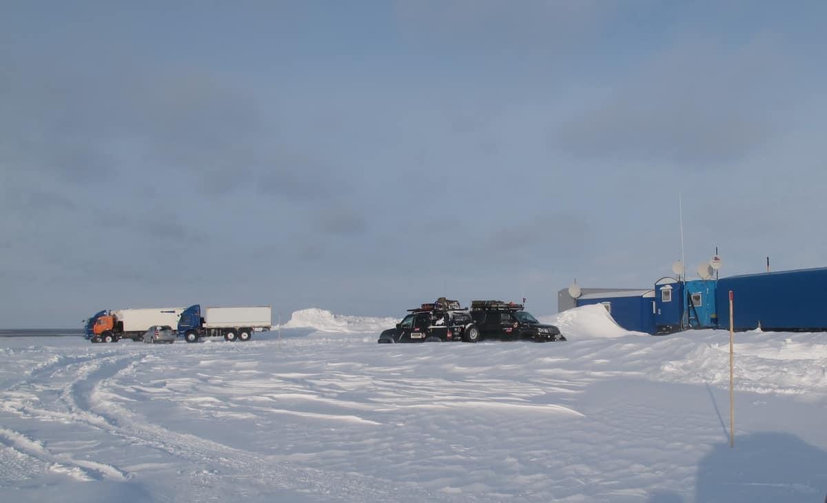 база дорожников на зимнике Тазовский - Антипаюта