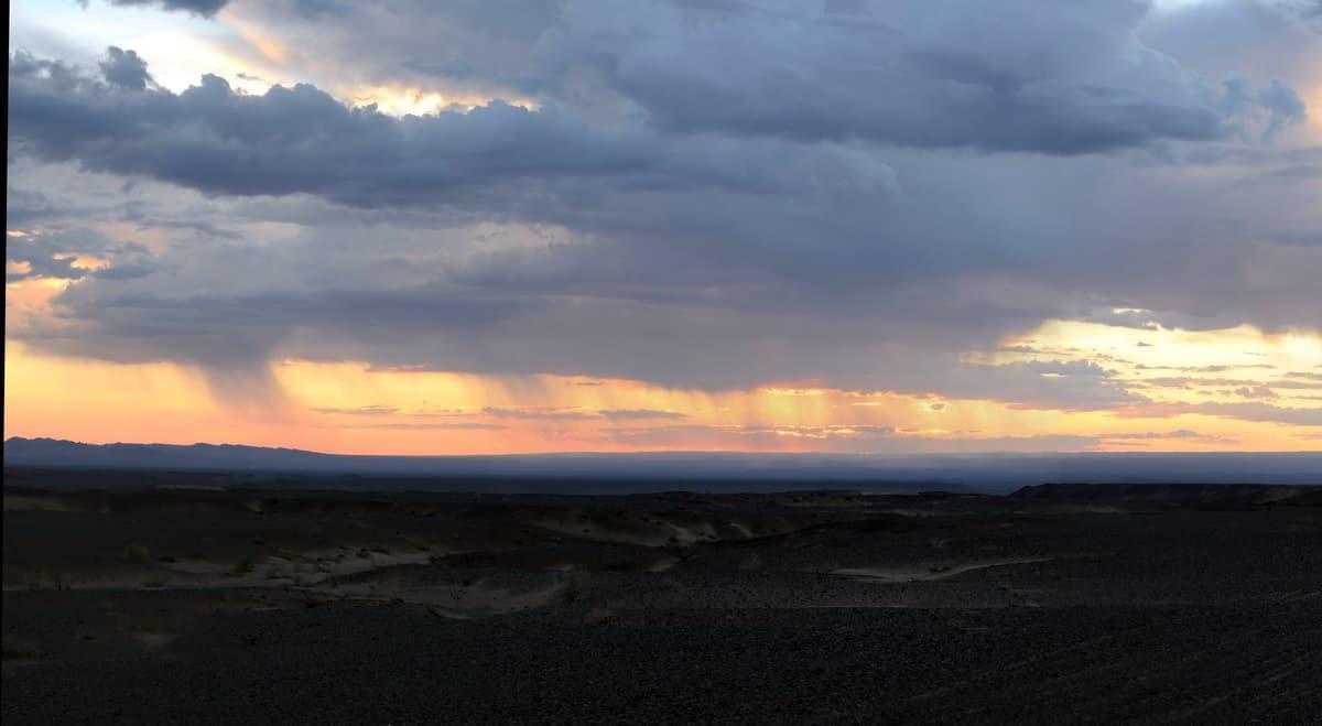 дождь в пустыне Гоби
