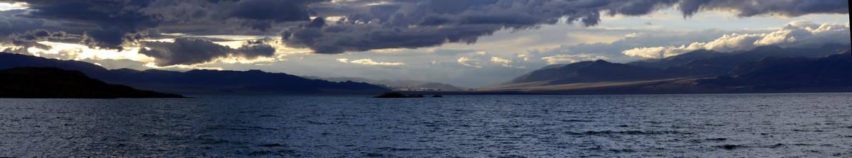 Монголия, озеро Урэг