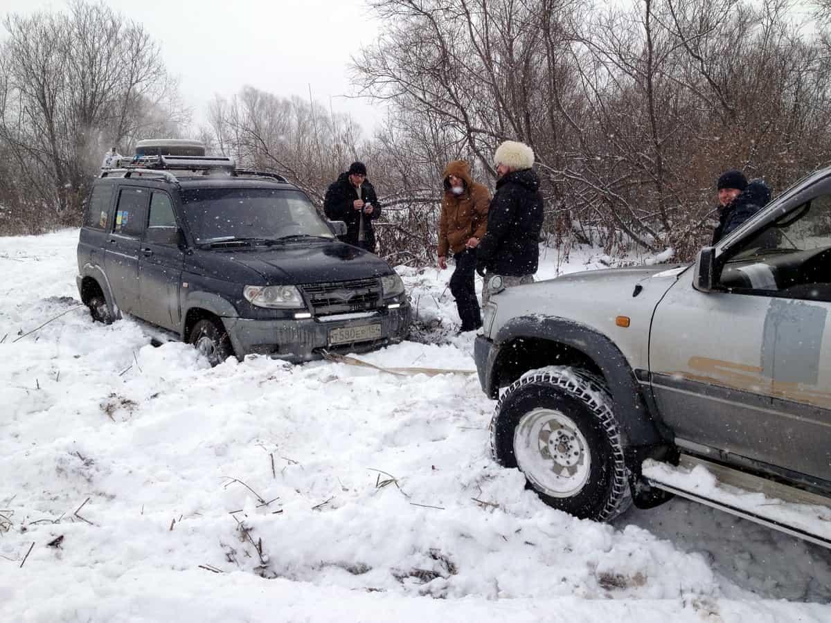 уаз патриот в снежно-грязевой каше