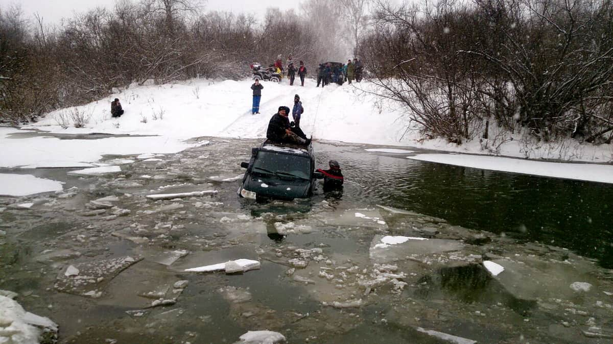 УАЗ Патриот утонул в реке