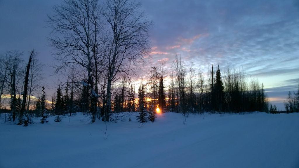 закат на зимнике Надым - Салехард
