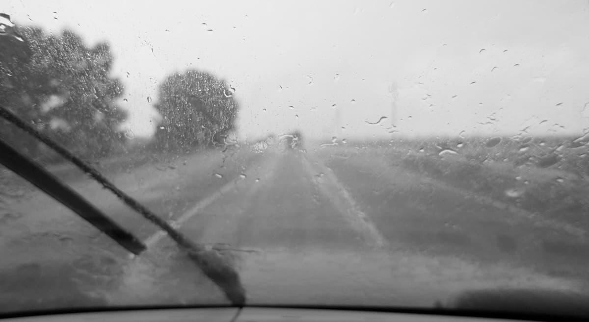 дождь в дороге