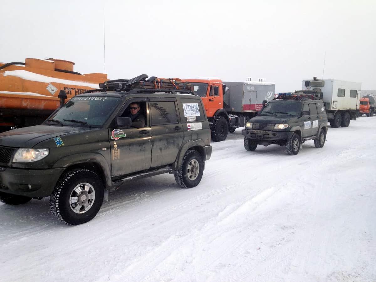 перед КПП зимника Надым - Салехард в Надыме