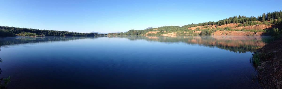 Лазурное озеро (карьер) Челябинская область