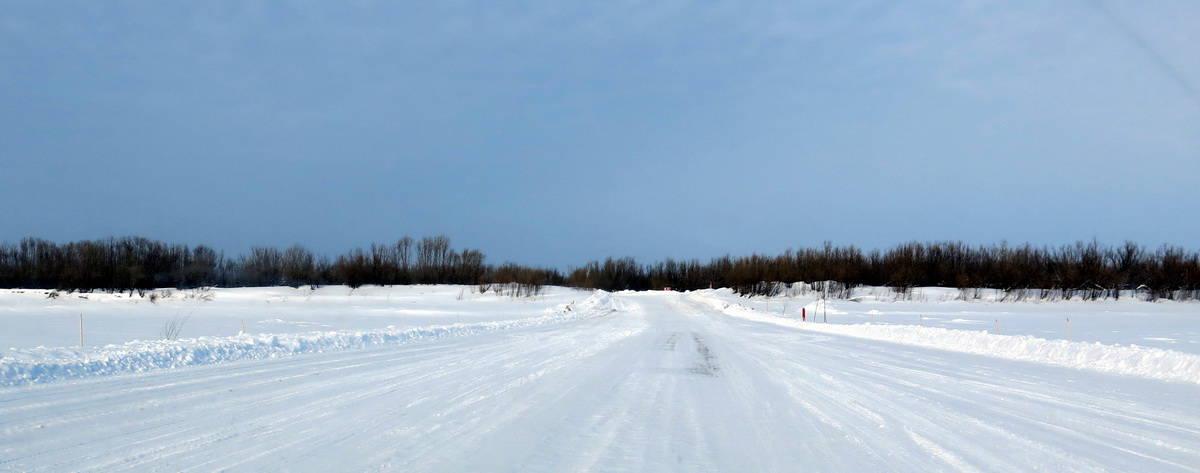 ледовая переправа на зимнике Каргасок - Стрежевой