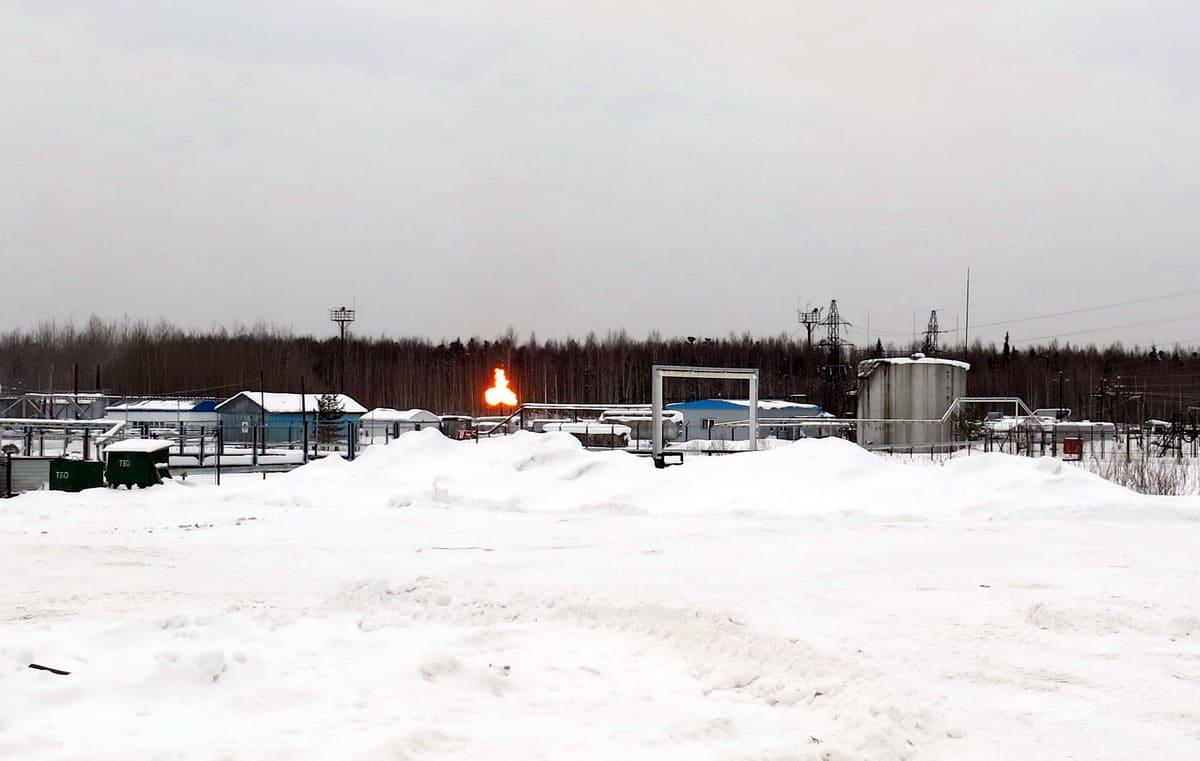 сжигание попутного газа на месторождении