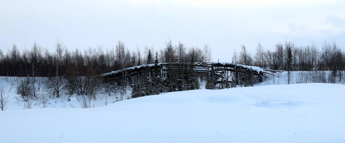Сталинская стройка вдоль зимника Надым - Салехард
