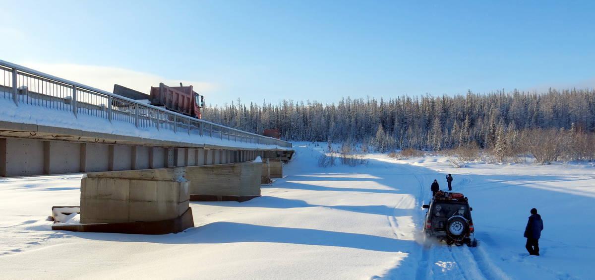поселок Харп, дорога на рудник, мост через реку