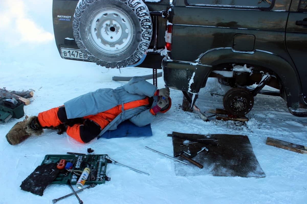 ремонт рессоры на зимнике Тура - Ессей