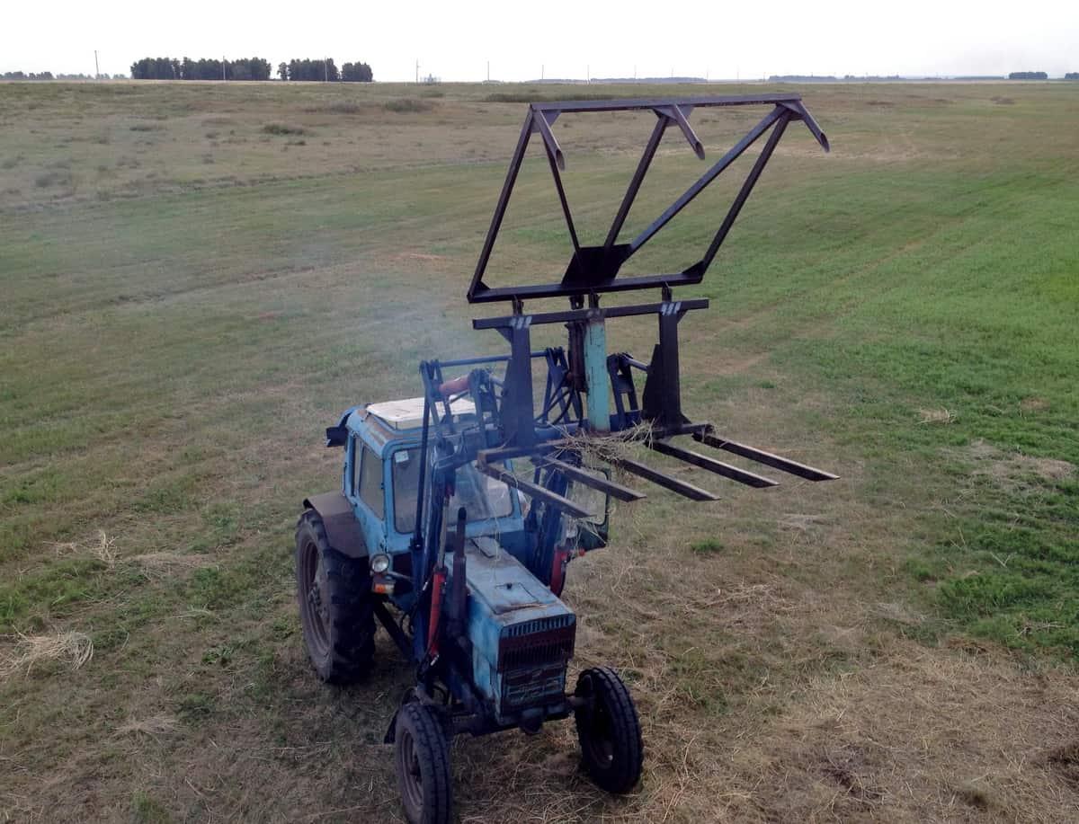 стогомет - вилы для погрузки сена трактором