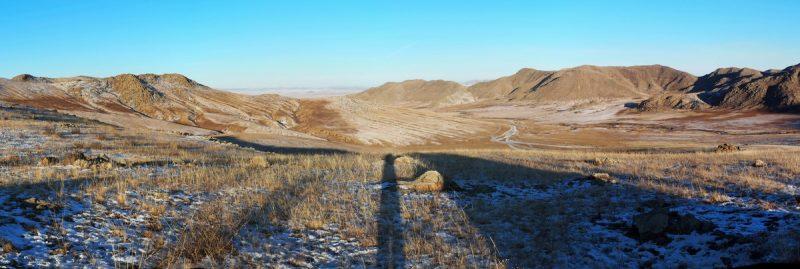 Монголия, дорога с перевалом
