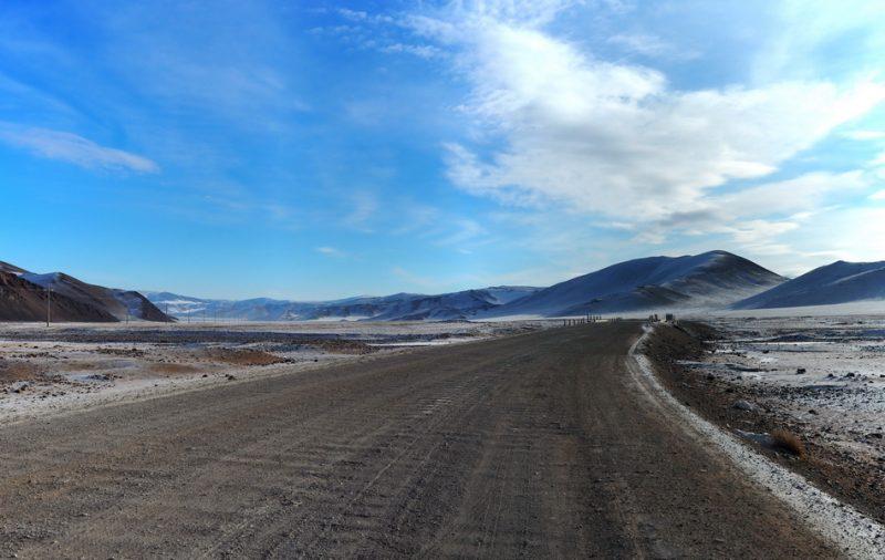 Монголия зимой, погранпеерход Ташанта - Цагааннуур