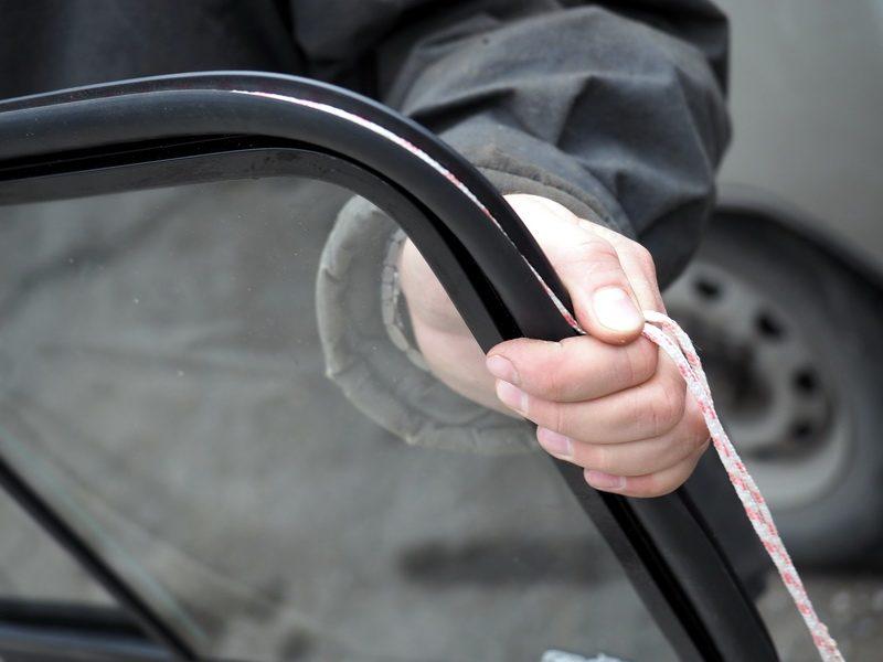 вставка стекол в отечественный автомобиль