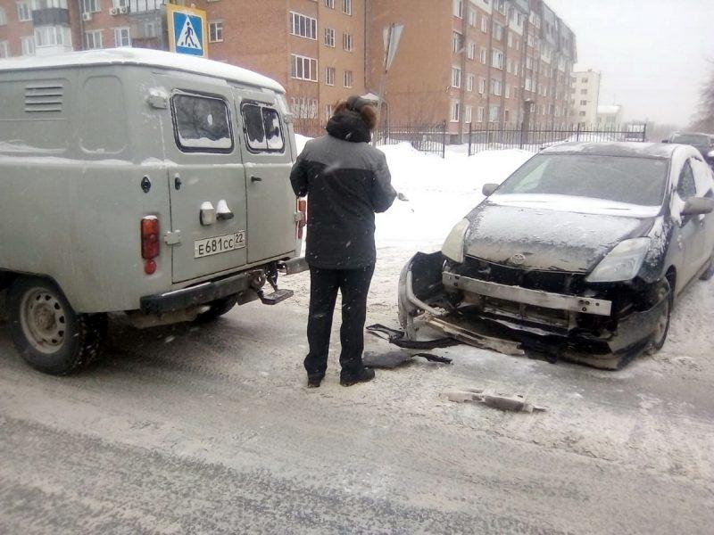 УАЗ и Toyota в ДТП