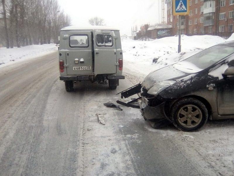 ДТП УАЗ и Тойота Приус