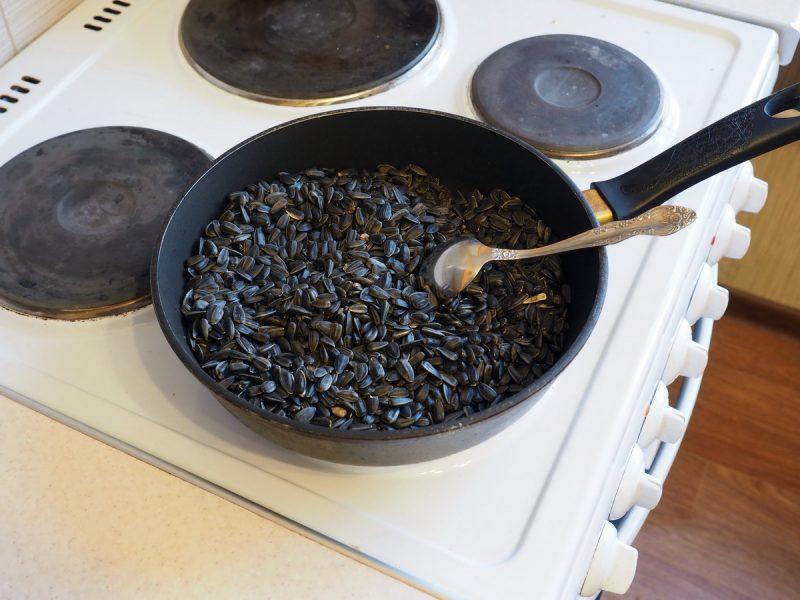 как пожарить семечки самому
