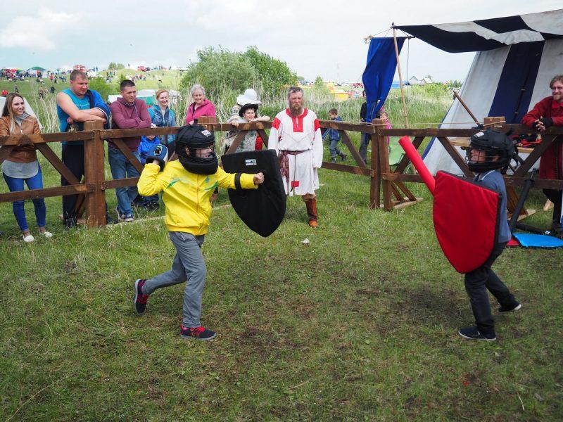 тренировочный бой на мечах