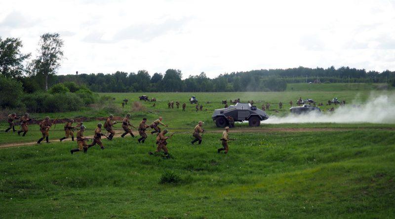 реконструкция атаки советских войск