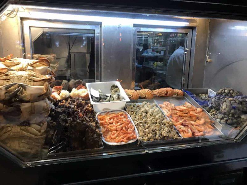 витрина рыбного магазина, Лиссабон