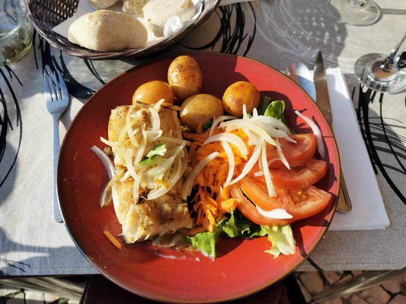 Португальская кухня, треска Bacalhau с овощами