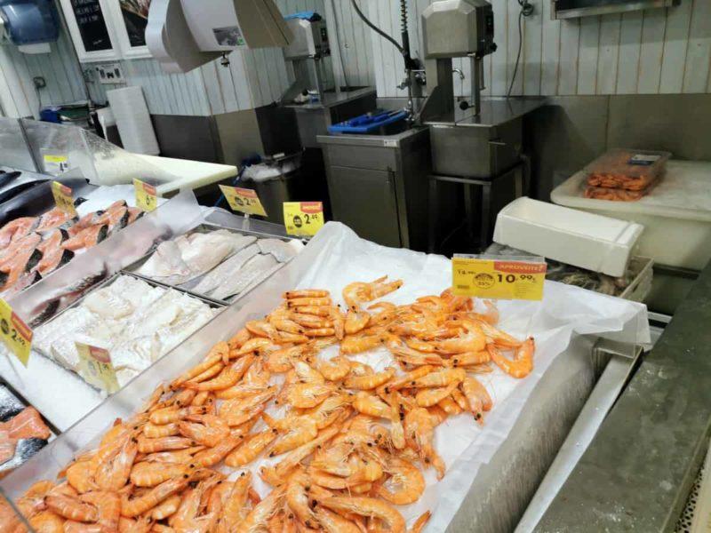 креветки в магазине Лиссабон
