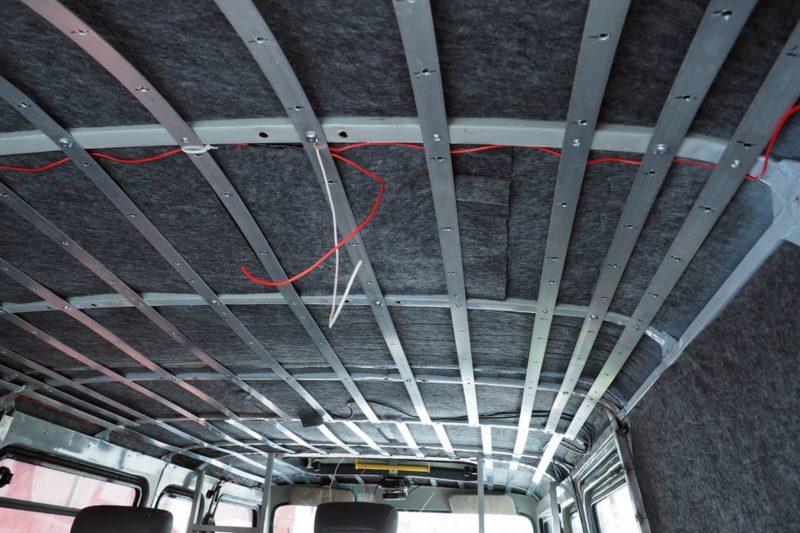 разводка проводов под плафоны освещения уаз