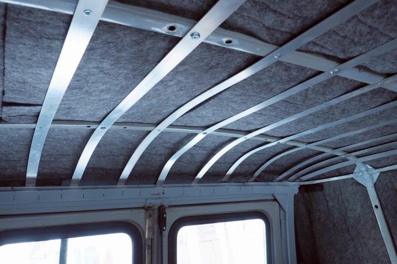 направляющие для перетяжки потолка в уаз