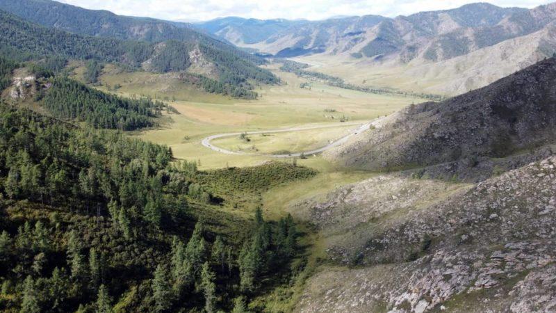 Чуйский тракт, вид с перевала