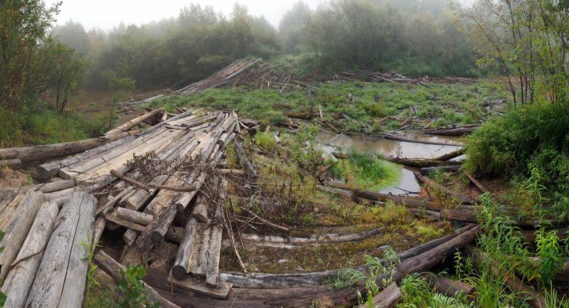 старый мост через реку Ломоватая