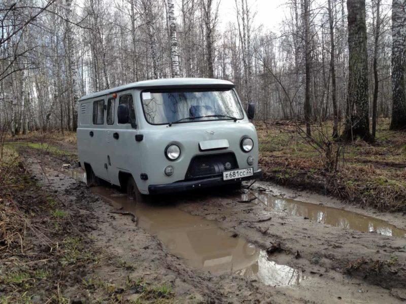 уаз 452 в грязи