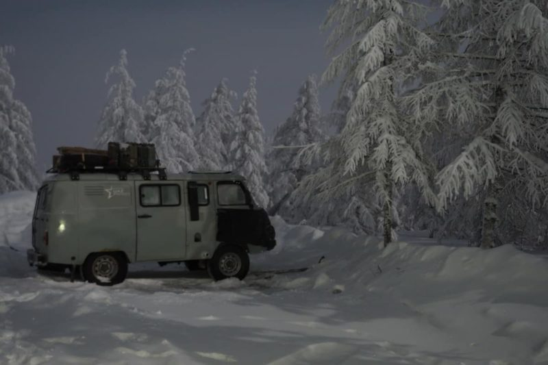 ночевка на зимнике, полярный круг, якутия